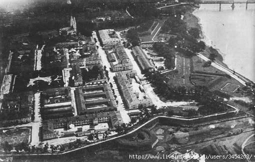 Рис.2.1.1.5 Вид на крепость с севера. В крепости Дюнабург в 1917 году социалисты содержали под арестом Императора России (510x325, 101Kb)