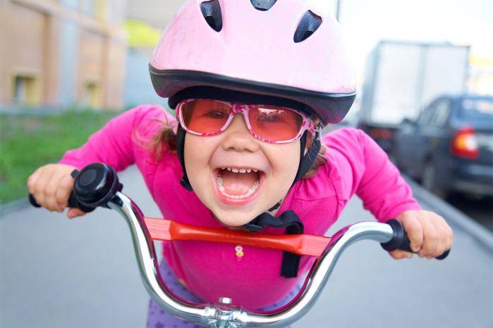 Активному ребенку нужно купить велосипед