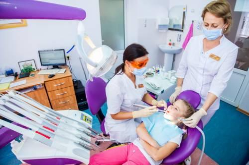 Выбираем детскую стоматологию/2804996_s73313223 (500x333, 27Kb)