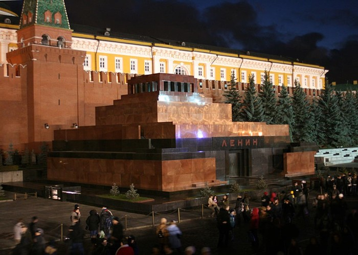 Если Ленина вынесут из мавзолея: пророчества