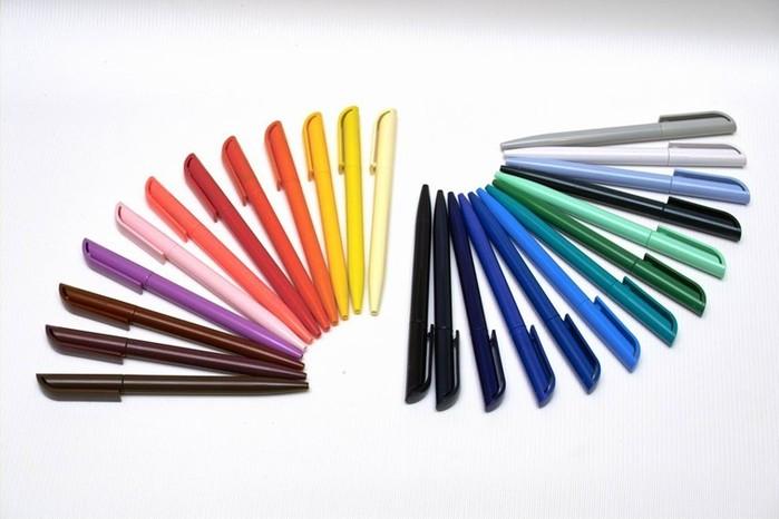 Видео, как делают шариковые ручки