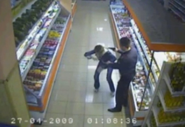 Расстрел в московском супермаркете. Полная версия видео