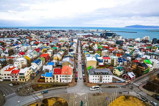 4527609_ReykjavikAerial (640x426, 172Kb)