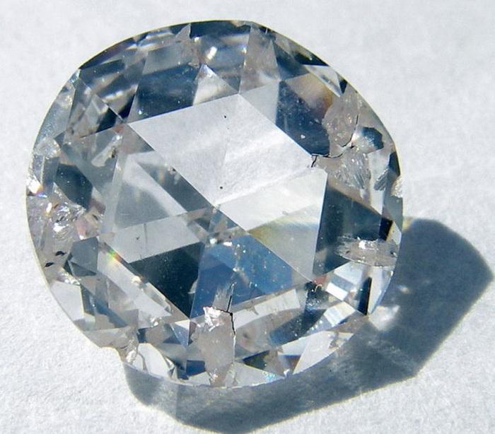 Sothebys-ring-4 (700x614, 139Kb)