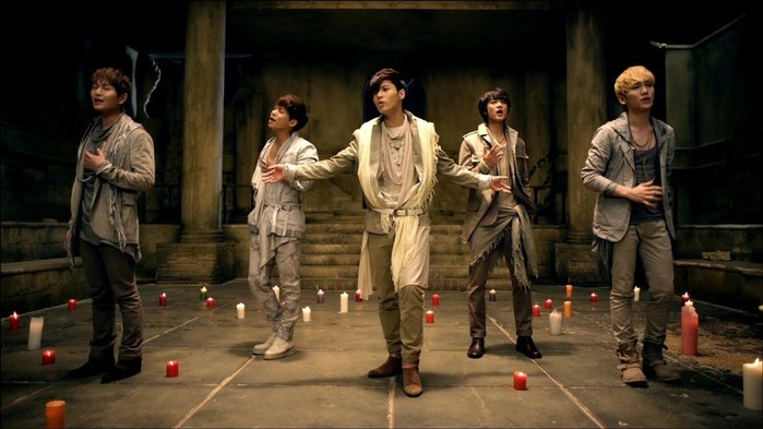 Южнокорейская рор группа «SHINee» и их новая песня «Fire»