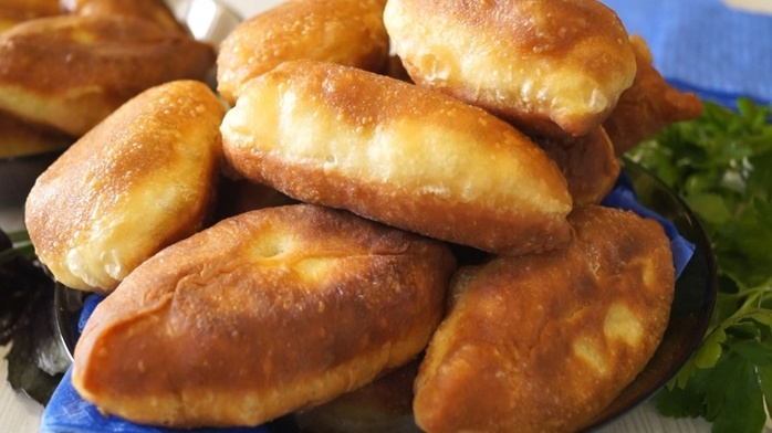 Дрожжевые пирожки картошкой рецепт с фото