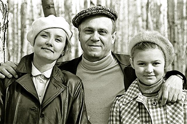 Меньшов раскрыл секрет долговечности брака с Алентовой
