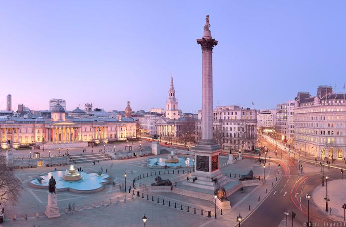 Trafalgar-Square-Panorama-At-Night (700x459, 332Kb)