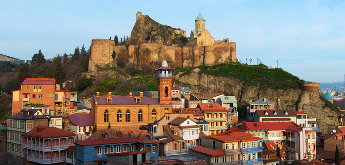 tbilisi-old-town-georgia (700x334, 381Kb)