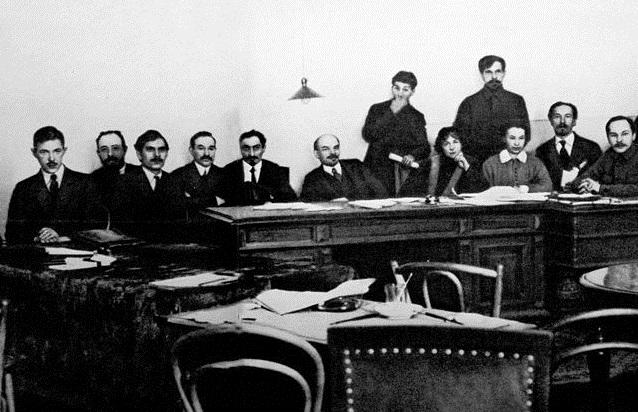 Национальный состав первого большевистского правительства: каким он был