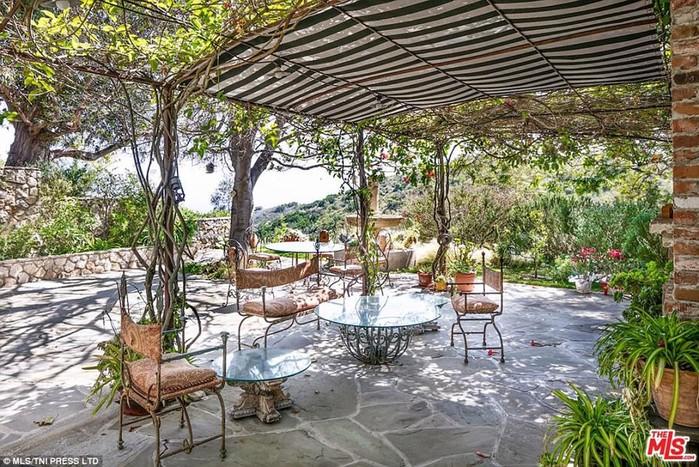 Мэл Гибсон продает свой особняк за 21 миллион долларов