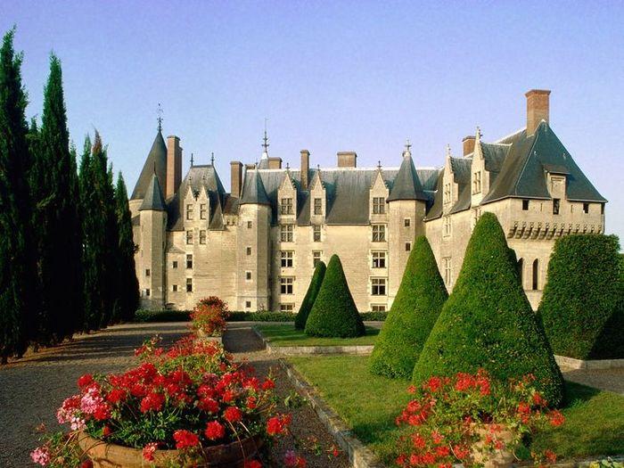 d4e3e13db989d4bdea485bbe7906b1b8--french-chateau-la-france (700x525, 82Kb)