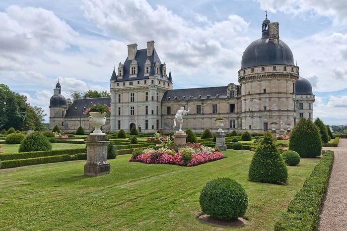 Valencay-chateau-1 (700x466, 85Kb)