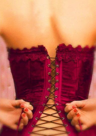 0e4198eeb81fe723d4126586dea9c139--red-corset-corset-tops (386x550, 49Kb)