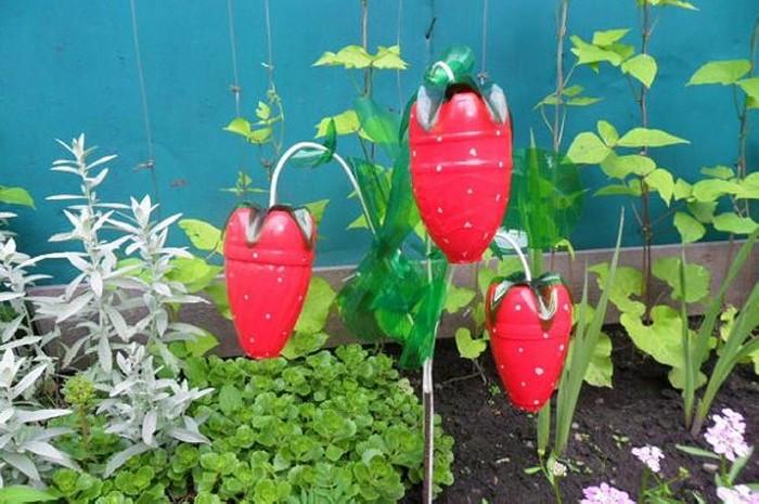 Фото поделок из пластиковых бутылок для сада