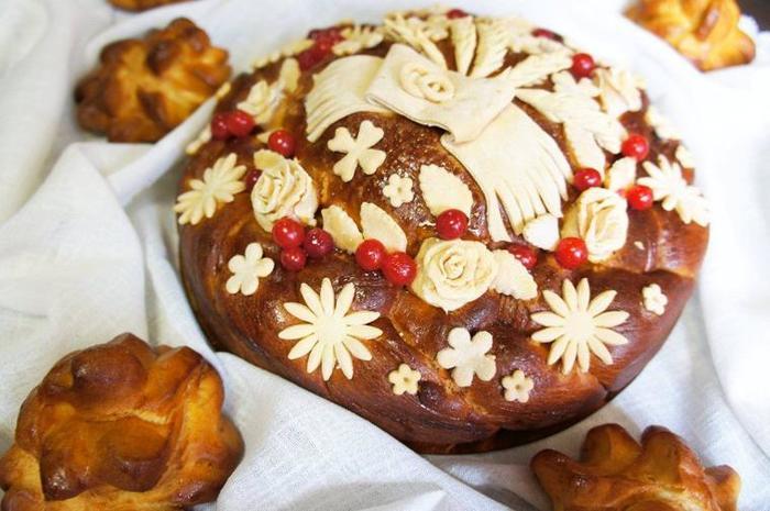 Каравай (большой круглый хлеб)