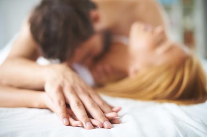 Почему после секса женщины влюбляются, а мужчины засыпают?