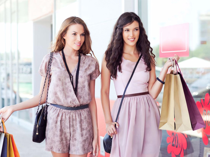 millennial_female_shoppers-3833 (700x524, 316Kb)