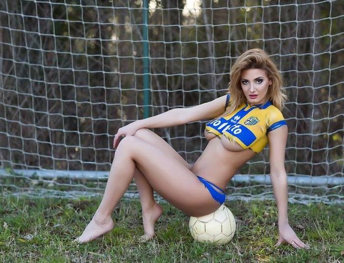Rosy-Maggiulli-parme-football (700x534, 149Kb)
