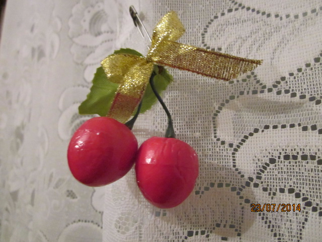 decoration_for_curtains_cherries_by_dash_ing_nerro-d7ry3er (640x480, 282Kb)
