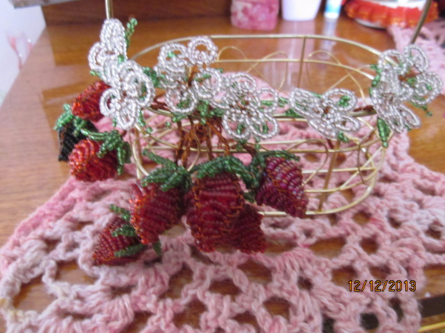 harvest_of_strawberries_by_dash_ing_nerro-d6xn8wf (640x480, 357Kb)