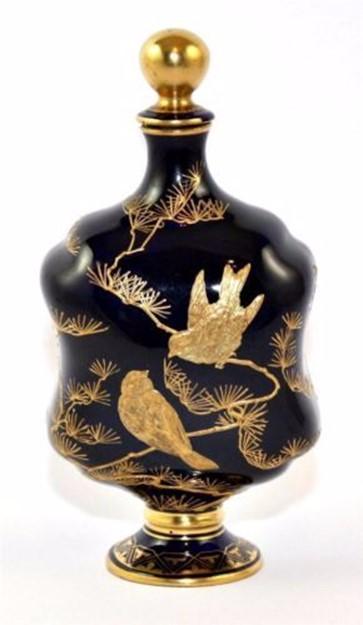 Духи и парфюмерные флаконы от Средневековья