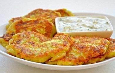 Кабачковые оладьи с сыром и чесноком (391x248, 37Kb)