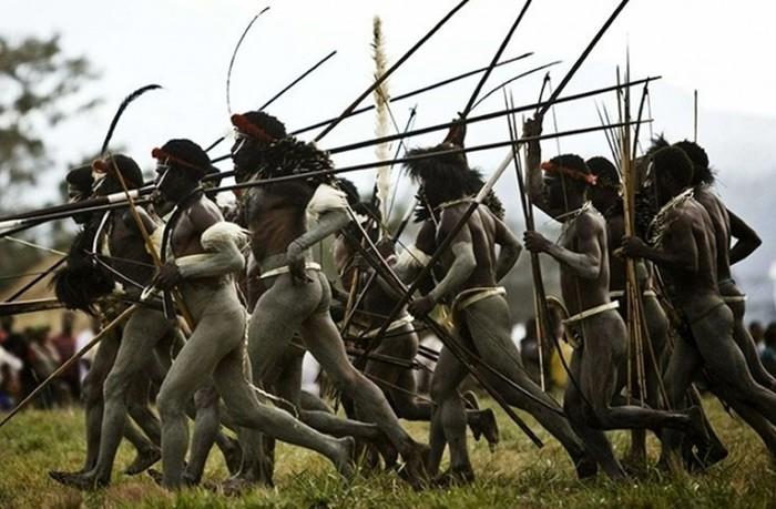 Шлях до зброї третього тисячоліття. Історія розвитку озброєння людства