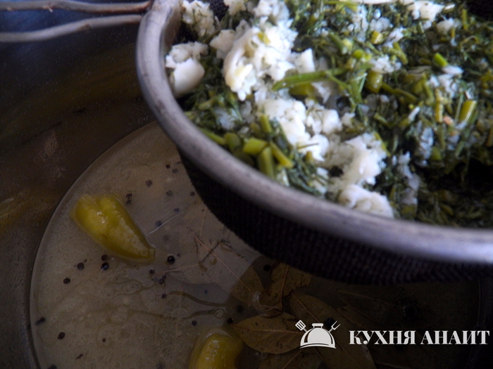 12-marinated-green-peppers_marinovanie-zelenogo-struchkovogo-perca (700x525, 378Kb)