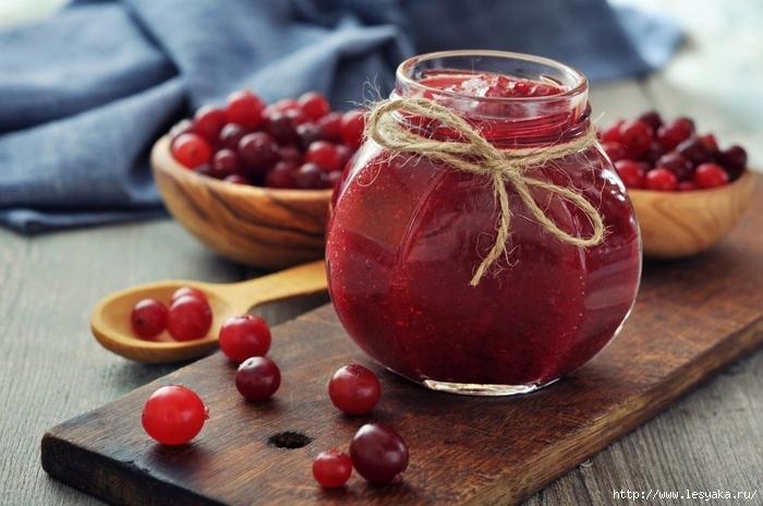 купить джем оптом от производителя/3925073_jamsjamcranberriesberriesofthebankjarbowls (700x464, 240Kb)