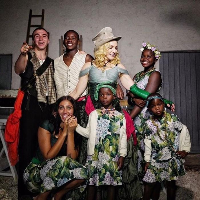 Все дети Мадонны! Певица показала снимки в Инстаграм
