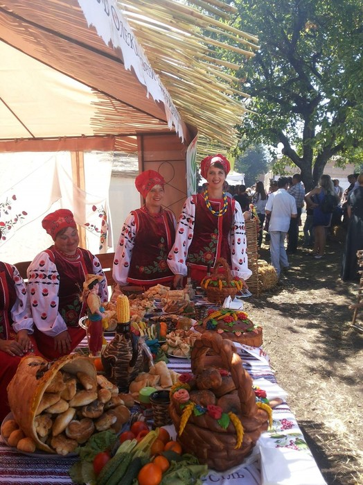 Фестиваль народної творчості «Серпневий зорепад»