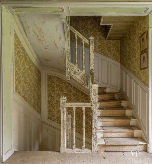 заброшенный дом во франции 5 (647x700, 437Kb)