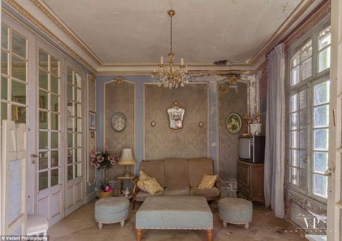 заброшенный дом во франции 11 (700x494, 303Kb)