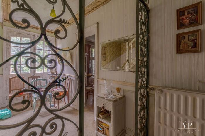 заброшенный дом во франции 14 (700x466, 337Kb)
