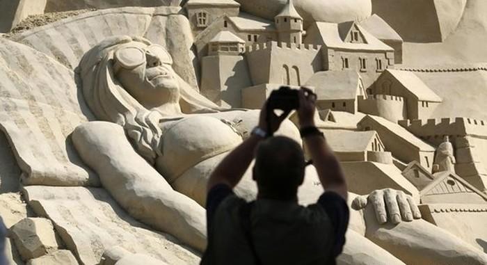 В Германии соорудили самый высокий песочный замок