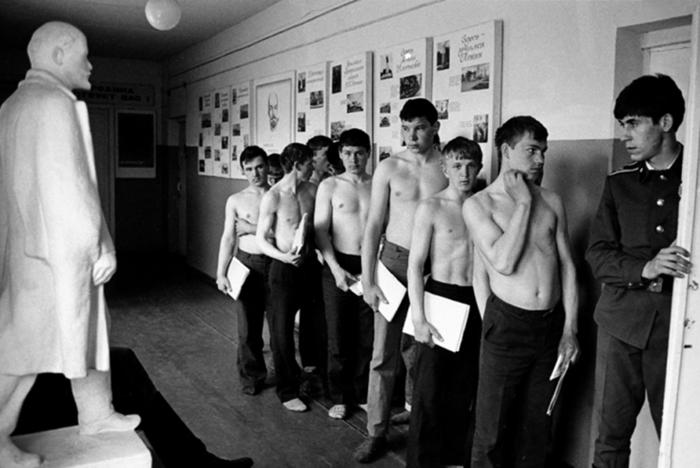 Как в СССР «косили» от службы в армии