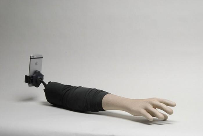 Как делать селфи, если ты одинокий человек — хитрые гаджеты и идеи