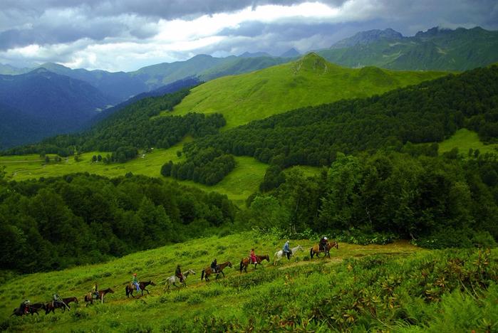 Абхазия-горы (700x468, 427Kb)