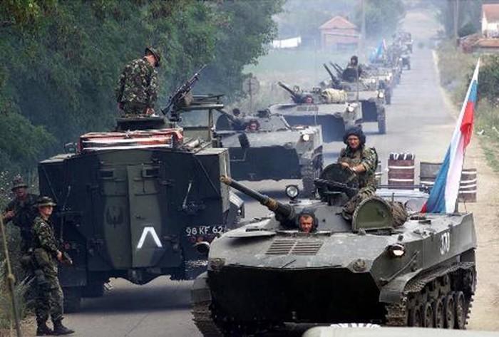 Марш-бросок русских десантников в Приштину: первая победа новой России