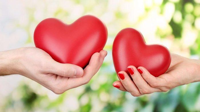 Два сердца мужская и женская рука (700x393, 31Kb)