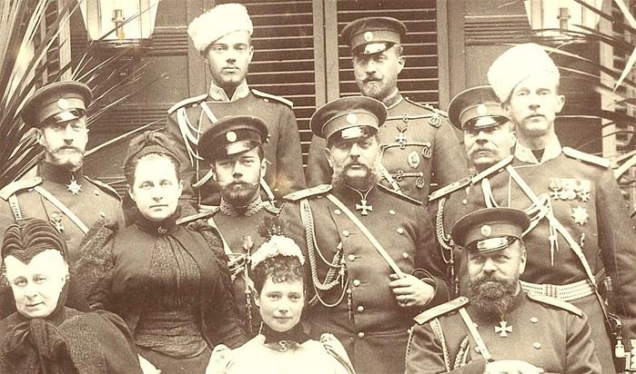 Почему членам династии Романовых давали строго определенные имена