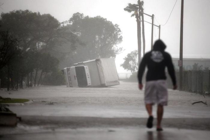 Ирмагеддон: Трамп объявил во Флориде режим крупного стихийного бедствия