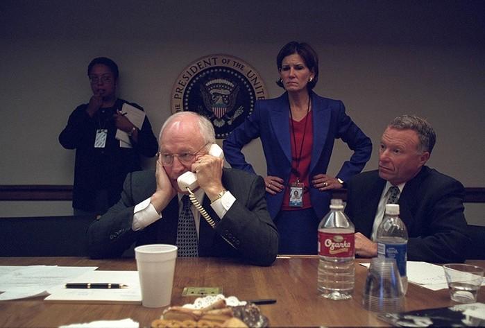 Как ведут себя первые лица США во время теракта 11 сентября