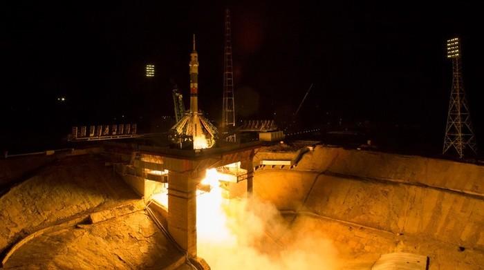 Старт космического корабля «Союз МС-06»