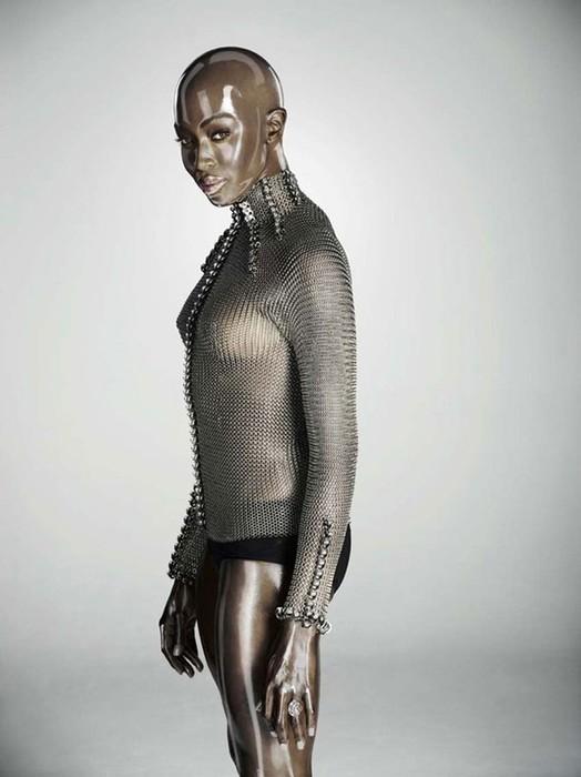 «Пластиковая» Наоми Кэмпбелл