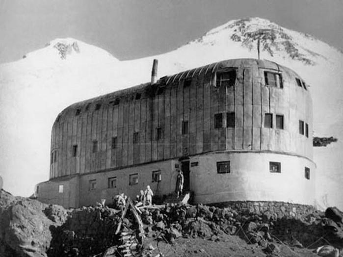 Зачем фашисты взбирались на Эльбрус