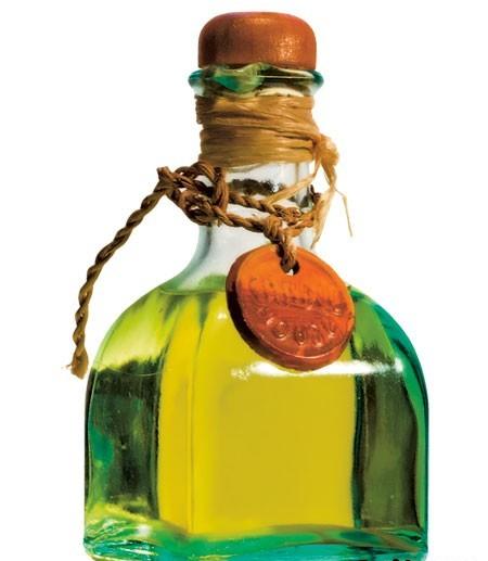 Чем полезно касторовое масло?