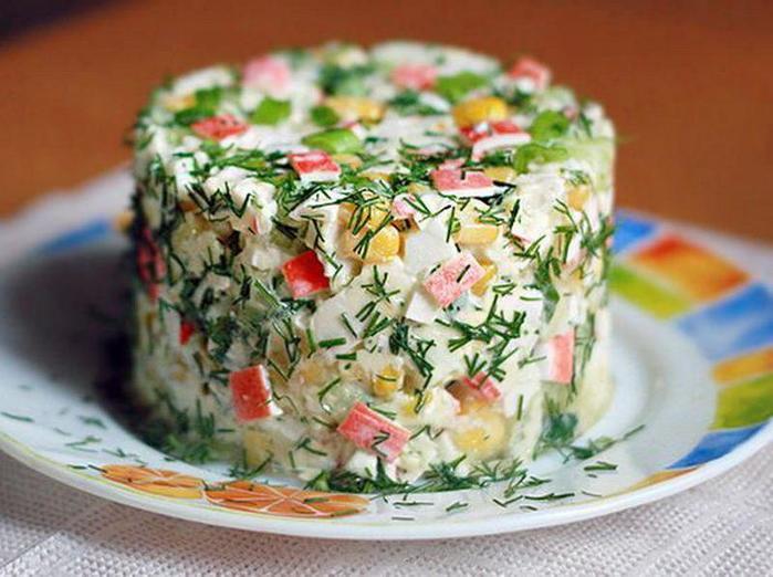 Салат из крабовых палочек с консервированной фасолью