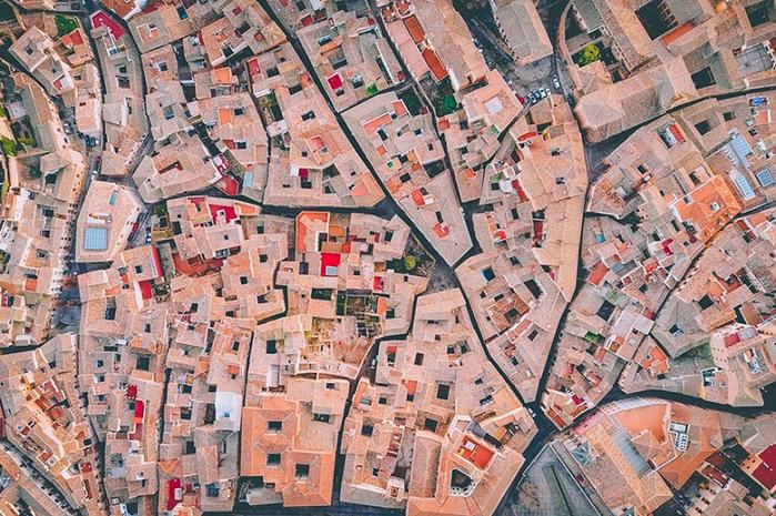 2. Испанский лабиринт (финалист в категории «Урбанистика») (700x465, 526Kb)